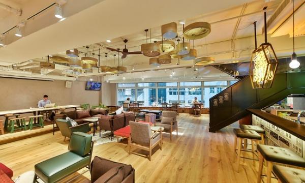 inside nakedhub 39 s swanky hong kong office spaces hongkong business. Black Bedroom Furniture Sets. Home Design Ideas